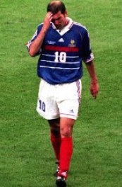 156-D5D1x-coupe-du-monde-1998-le-coup-de-sang-de-zinedine-zidane|x240-2xl